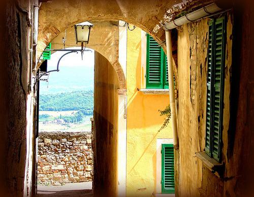 Green Shutters, Montpulciano, Tuscany