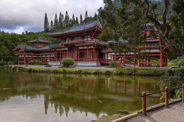 by x-ray tech on Flickr.Byodo-In Temple, Valley of the temples memorial park - Oahu Island, Hawaii.