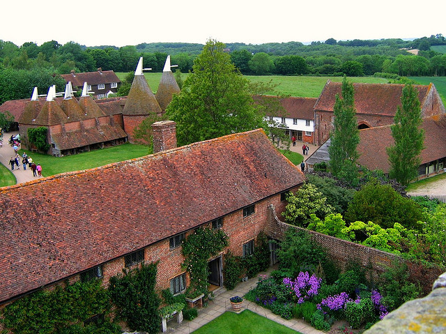 by UGArdener on Flickr.View of the Oast Houses in Sissinghurst - Kent, England.