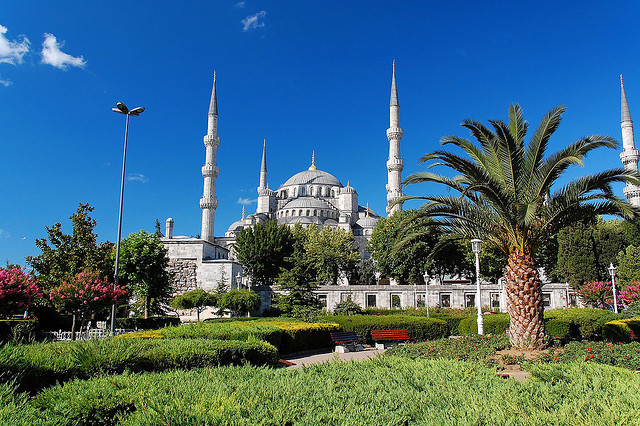 by Mabsuuta on Flickr.The Blue mosque in Istanbul, Turkey.