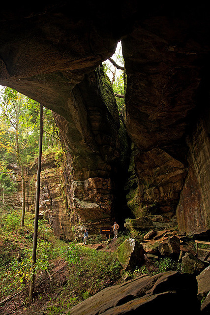 """Natural arches in Carter Caves State Resort Park, Kentucky, USA .]]>"""" id=""""IMAGE-m71876D8Pp1r6b8aao1_500″ /></noscript><img class="""