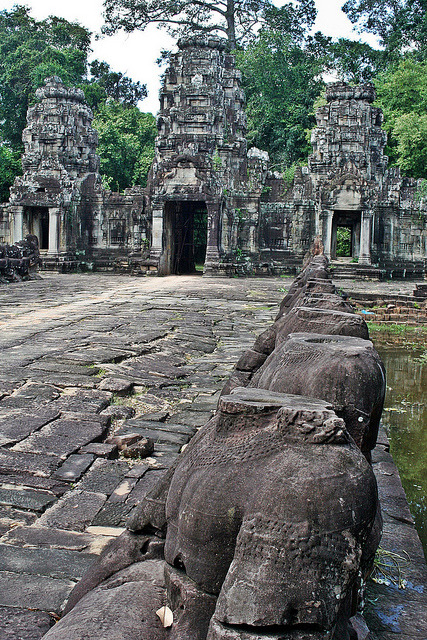 The headless guards of Preah Khan, Angkor / Cambodia